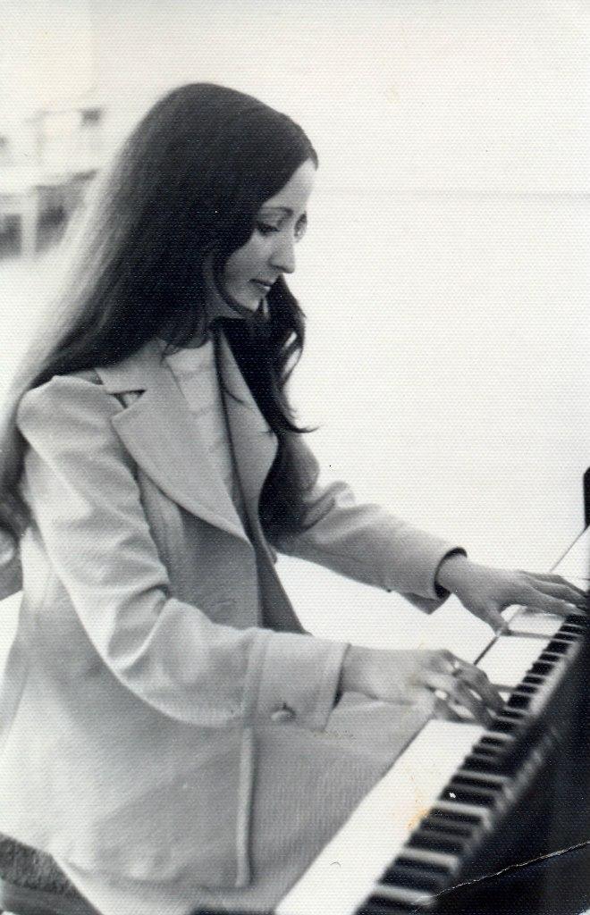 Мама играет Клода Дебюсси, 1976 год, Лунный свет