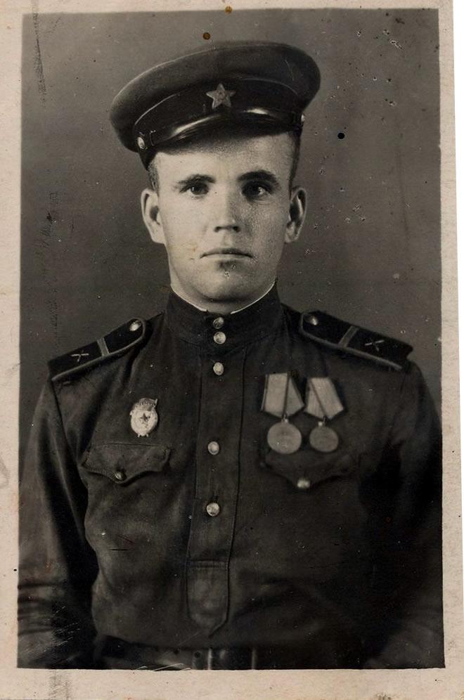 Дедушка Елькин А.С.